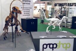 展示了voxeljet的3D打印恐龙。