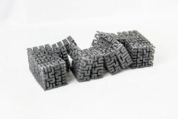 来自voxeljet的3D打印聚合物立方体。