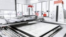 voxeljet的VX4000上的3D打印过程。