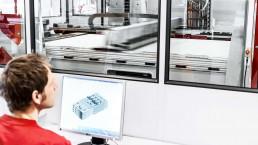 从voxeljet在VX4000上准备CAD文件。